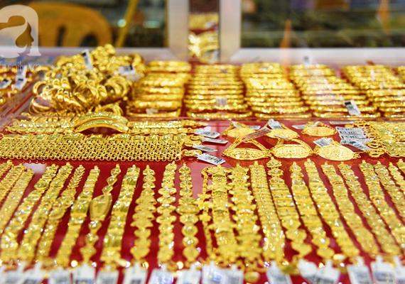 [BizLight] Thị trường vàng không dậy sóng, vì sao?