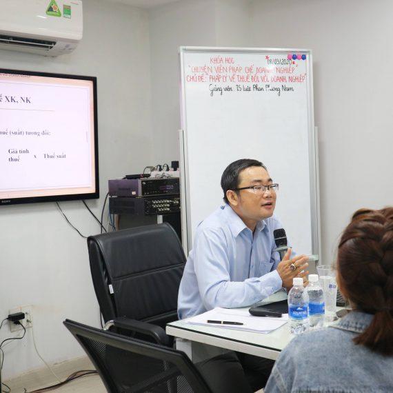 THÔNG BÁO Trao Giấy chứng nhận Lớp Chuyên viên pháp chế doanh nghiệp Khóa 3 KG 11.05.2020